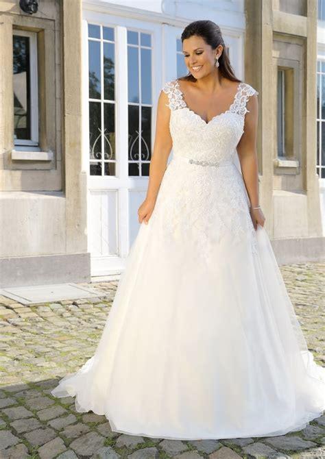 A Line Intricate Lace Wedding Dress